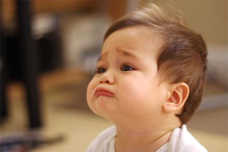 bebeğin ağlaması durmuyor, bebek nasıl sakinleşir, ağlayan bebekler