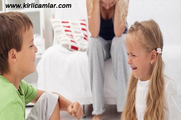 kırıcı söz söylememe, çocuklar arasında kırıcı söz, çocukların kırıcı olması