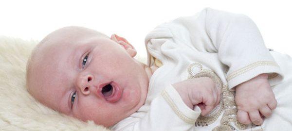 bebeklerde öksürük şikayeti, bebekler neden öksürür, bebeklerin öksürüklerini geçirme