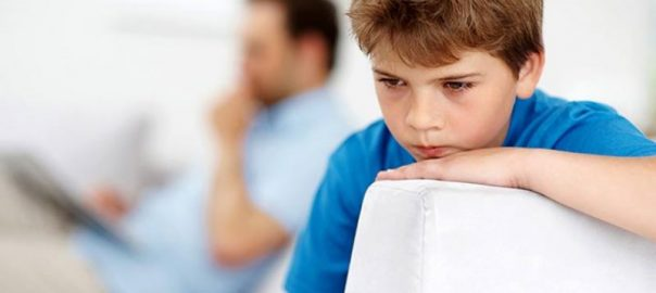 anne evhamı, özgüvensiz çocuk yetiştirme, çocuklar özgüven eksikliği