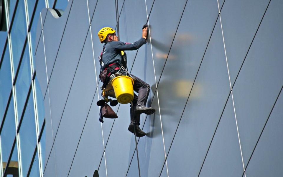yüksekte çalışma yapma, yüksekte çalışmada dikkat edilecekler, yüksekte çalışma yapma